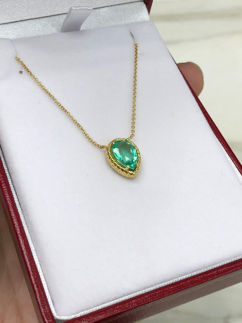 1.46ct Colombian Emerald Solitaire Gold Pendant