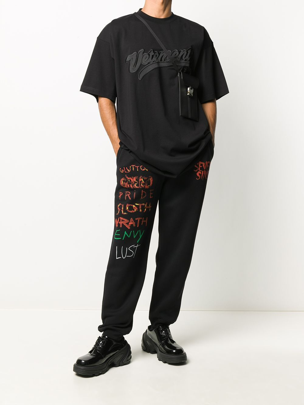 VETEMENTS Hip Hop Logo Embroidered T-Shirt Black