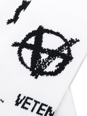 VETEMENTS logo anarchy knit socks white - Maison De Fashion