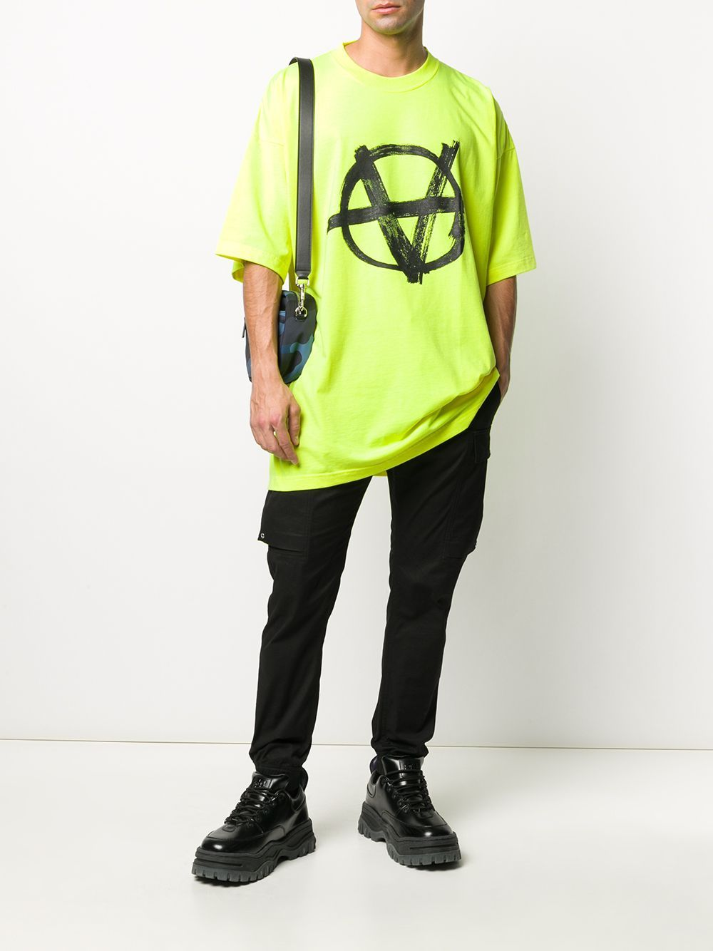 VETEMENTS graphic-print oversized fluo t-shirt