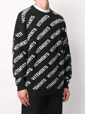 VETEMENTS all over logo knitted sweatshirt - Maison De Fashion