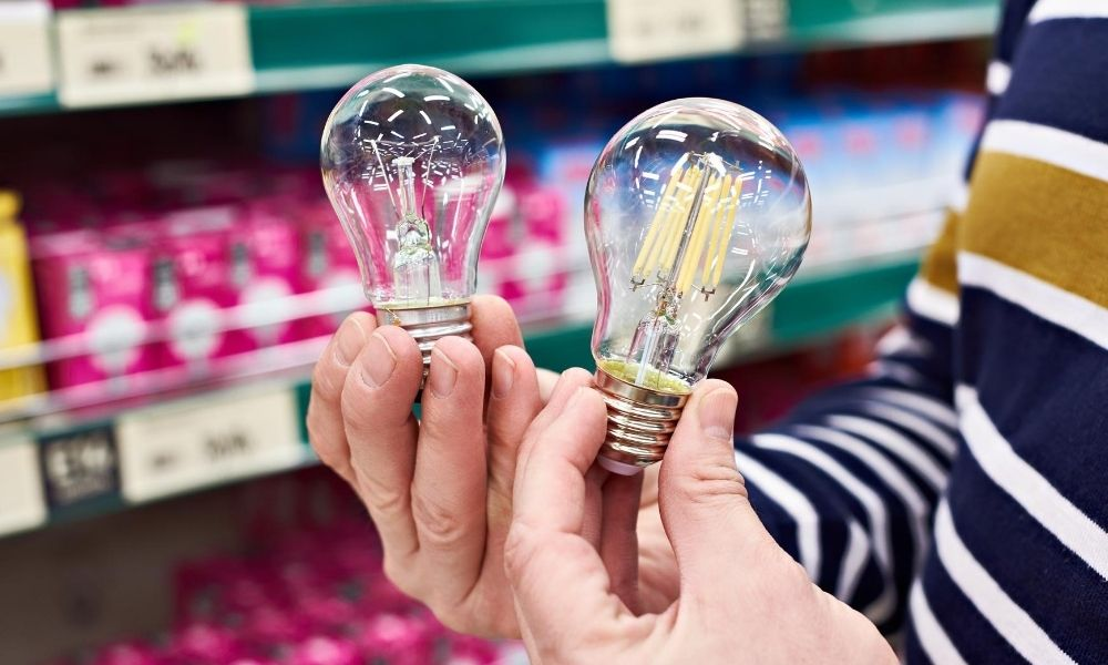 The Difference between LED and Incandescent Bulbs