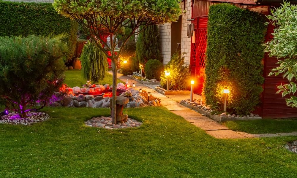 How To Upgrade Your Yard Lighting To LED