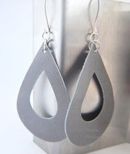 Teardrop Earrings - Cream