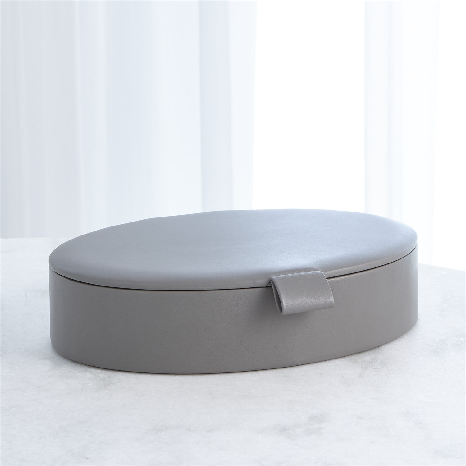 SIGNATURE OVAL LEATHER BOX | 2 SIZES