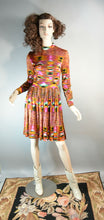 Psychedelic 60s Dress// Mad Men Dress// Colorful 60s Dress Mandarin Collar// Medium/Small Dress (F1)