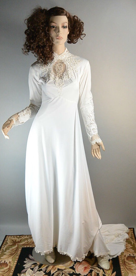 70s Union Made Wedding Dress// Long Traditional Wedding Dress// Mermaid Wedding Dress (F1)
