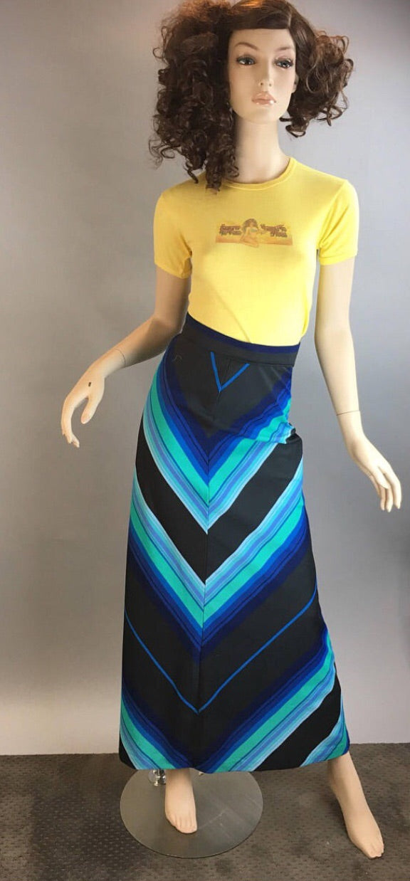 Vintage 70s Maxi skirt XXS// Long Chevron pattern skirt // Maxi Hippie Skirt Very Small (F1)