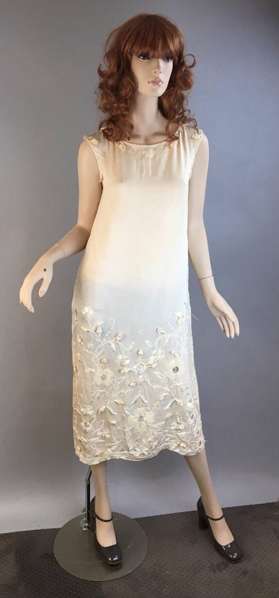 Vintage 20s Wedding Dress// Silk Embroidered Appliqué Wedding Dress From the 20s// Flapper Wedding Dress Small (F1)