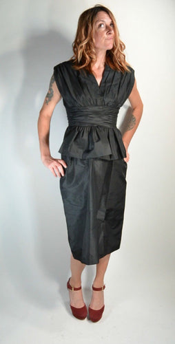 50s Peplum Dress// Silk Taffeta Black Dress// Stunning Little Black Dress (F1)