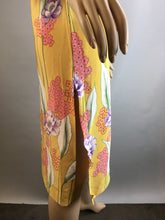 Yellow Spring Dress// Vintage 60s Shift Dress// Mandarin Collar Flower Shift Dress (F1)