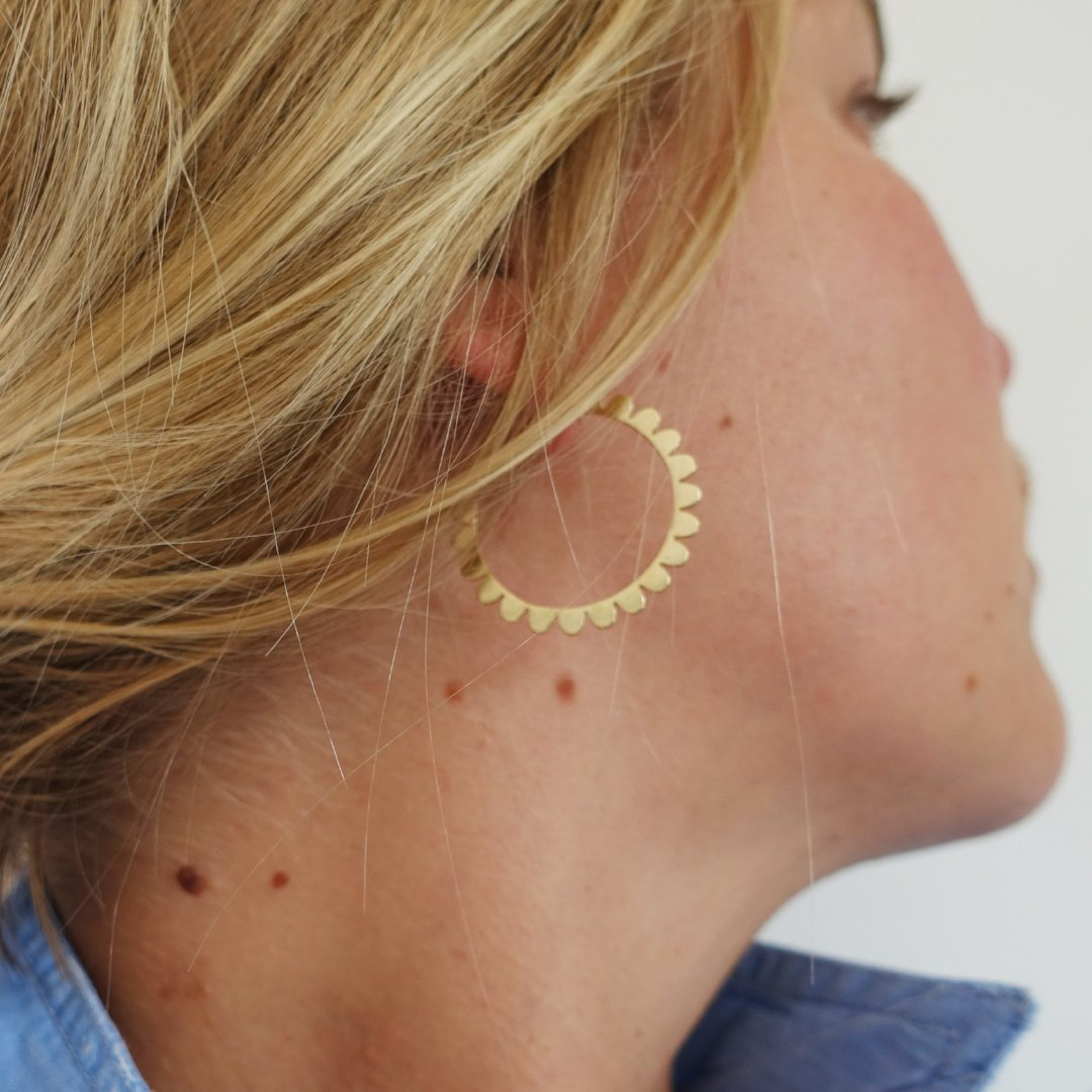 super luxe scalloped hoops
