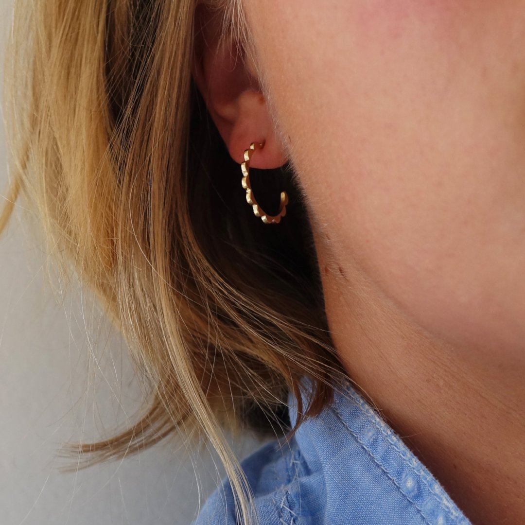luxe scalloped hoops
