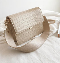 Alligator Pattern Messenger Handbag