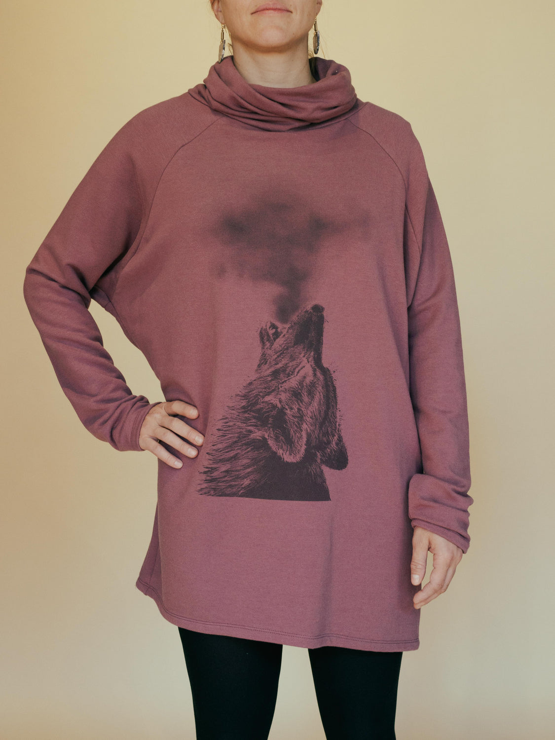 cokluch-chandail-wolf-rose-fleece