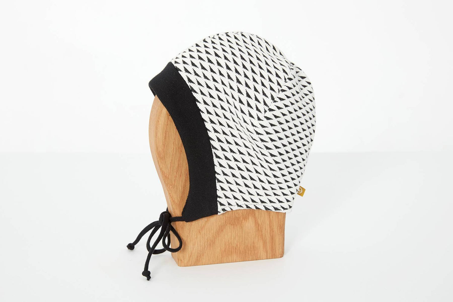 tuque-linotte-blanc-triangles-cokluch-mini-ah-1718