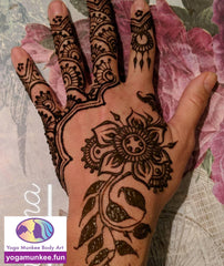 henna artist, Los Angeles henna artist, face painting, natural henna, bat mitzvah, henna design, kids birthday parties, Santa Monica, Santa Monica face painter, body art, social, entertainer, events, kids birthdays