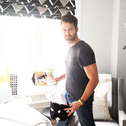 ELLE DECOR – Nate Berkus helps transform a nursery with a Robert Siegel Studio Multi-banded Apex Vase (Beaux Collection)