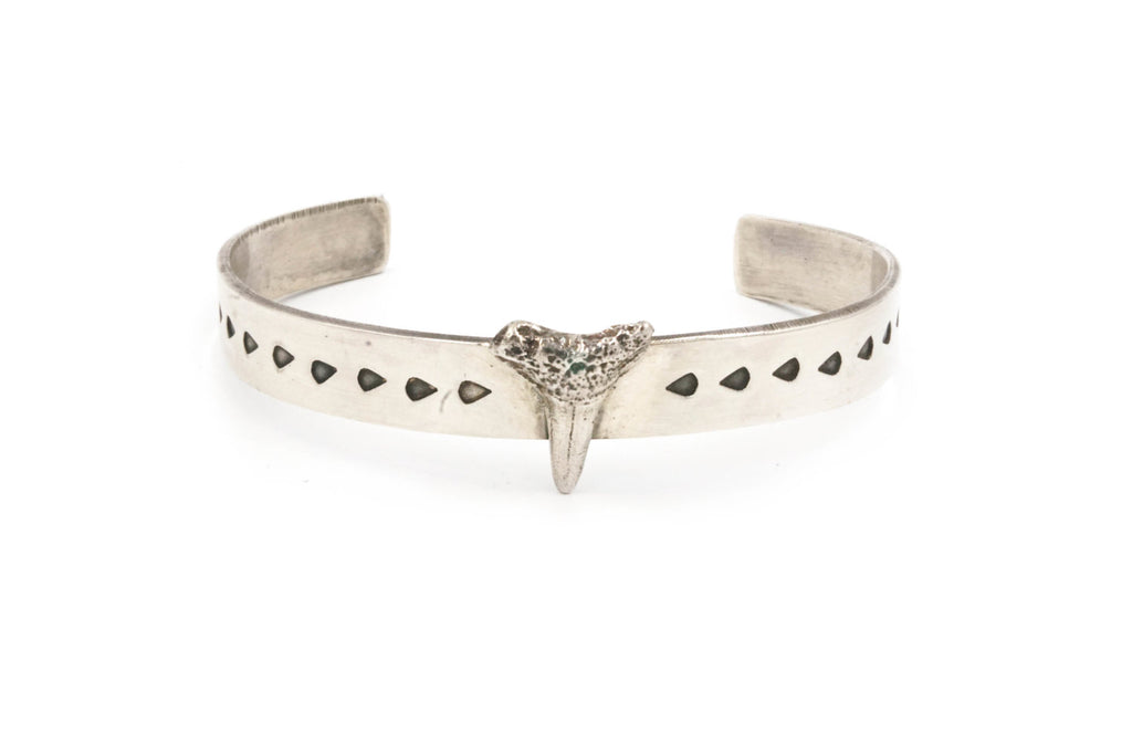 STERLING SHARK TOOTH CUFF