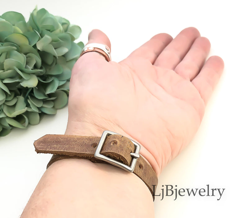 leather wristband with jasper stone