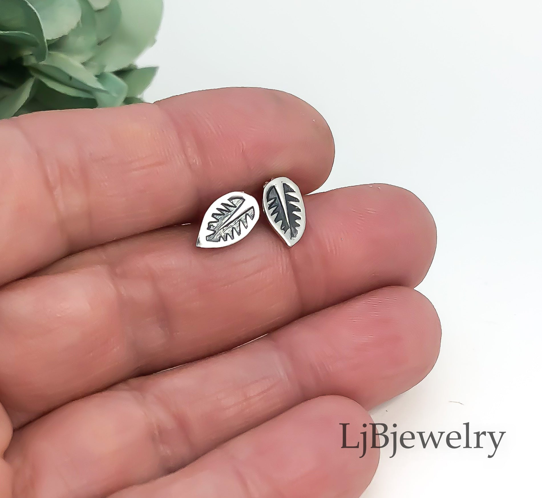 silver leaf stud earrings