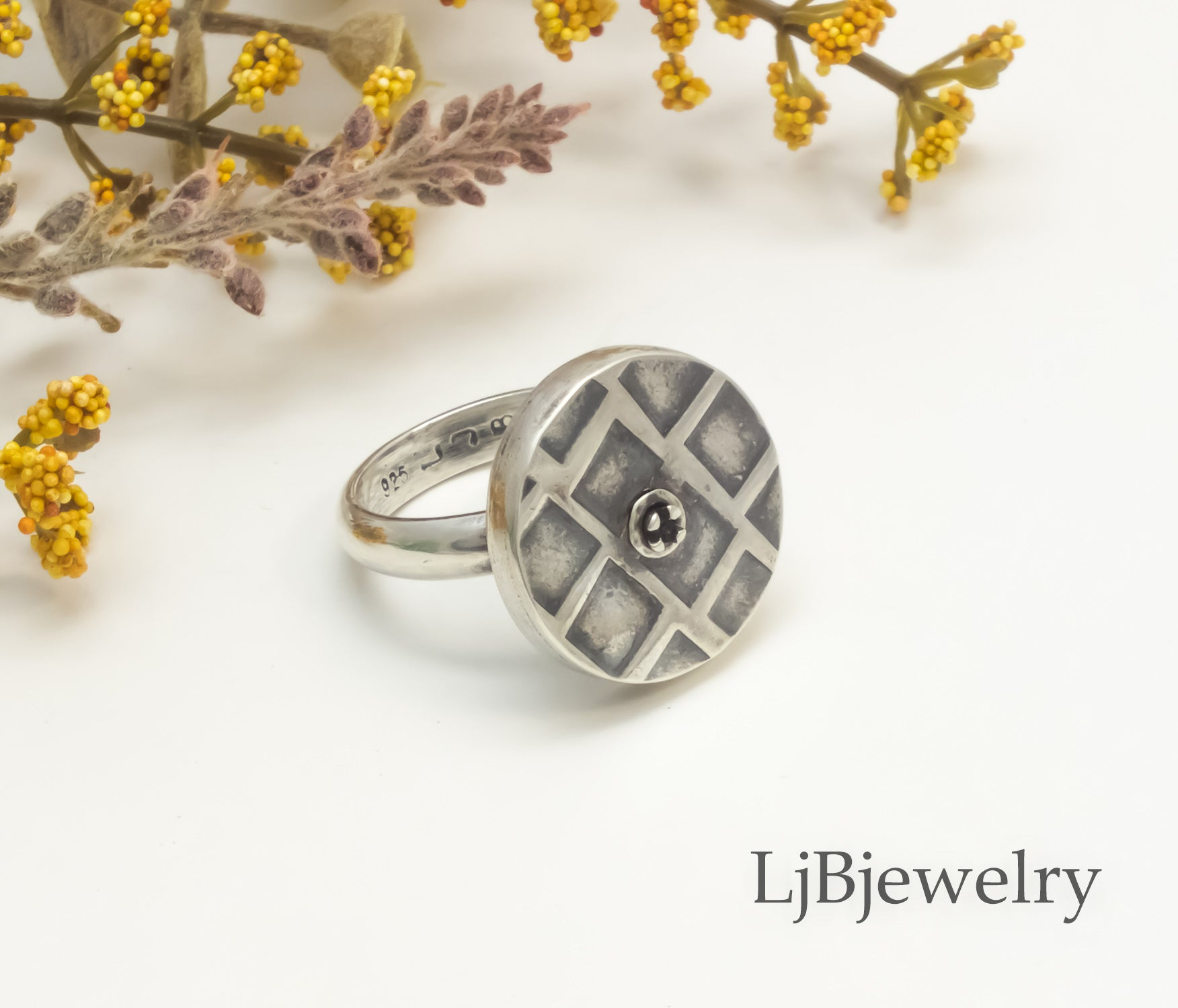 silver hollow form ring