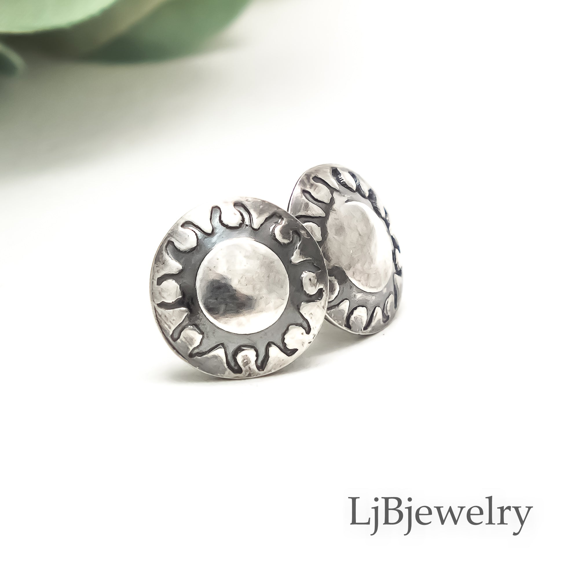 small silver sun stud earrings