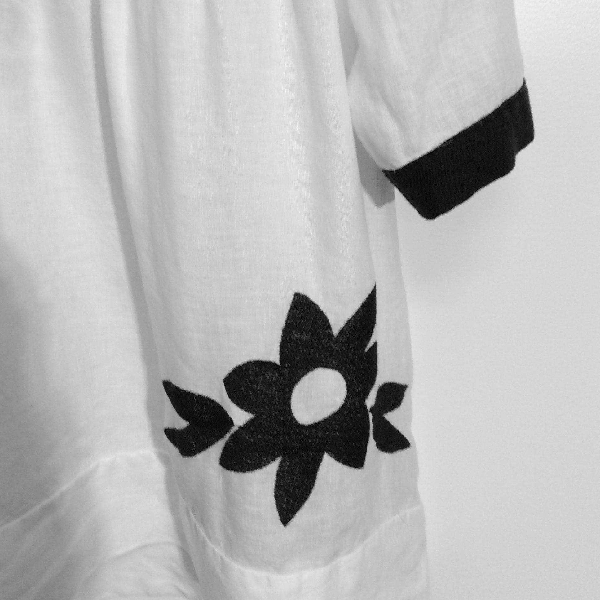FLOWER POWER EMBROIDERED TOP by KORI