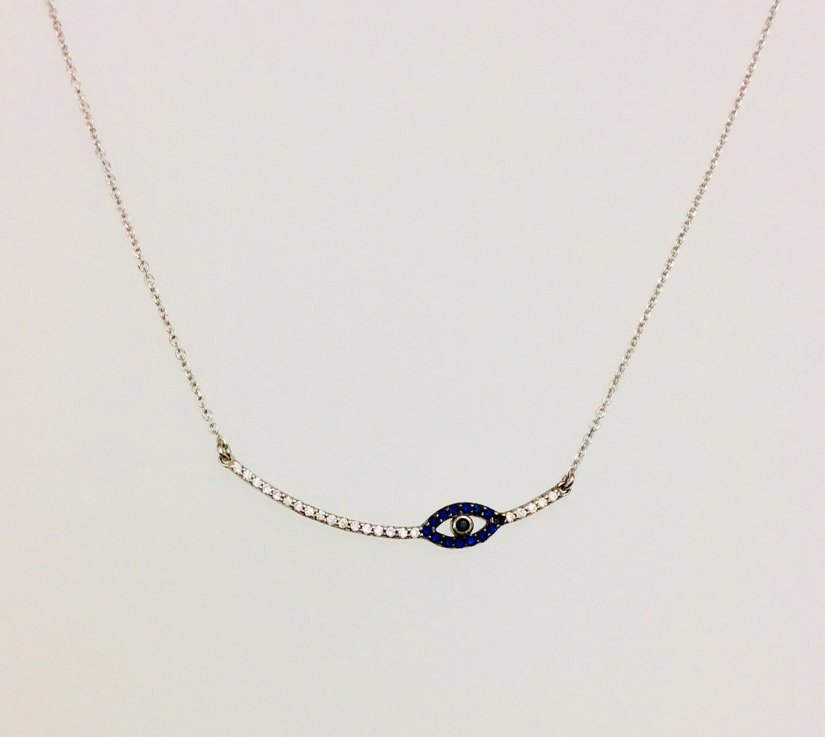 SLEEK MATI NECKLACE
