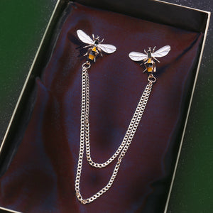 """Kate"" <br>Enamel bee chain brooch"