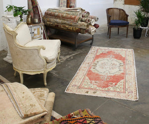 vintage-faded-anatolian-turkish-rug-34x72