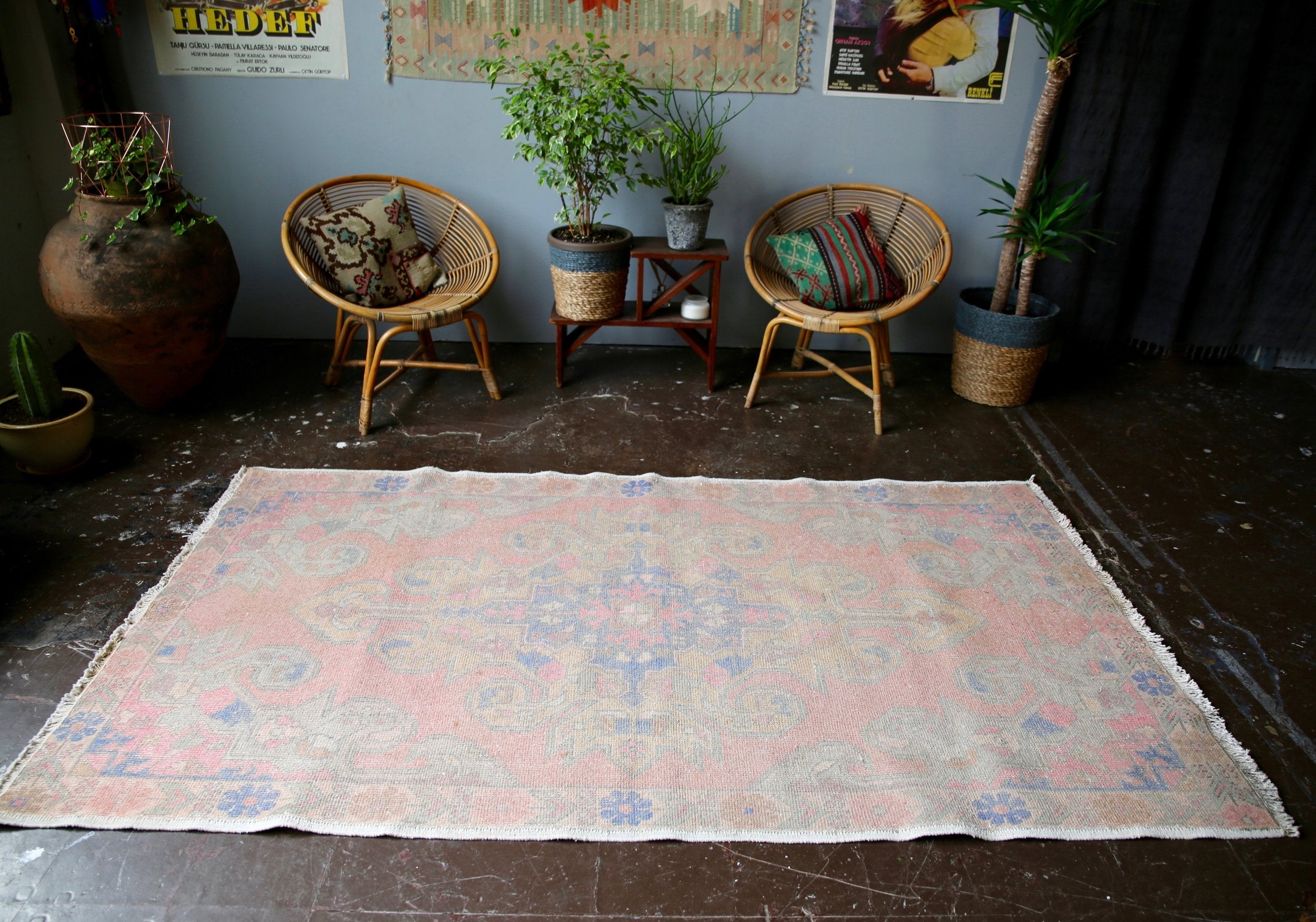 vintage-turkish-faded-anatolian-rug-45ftx8ft