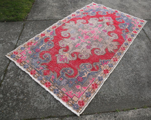vintage-faded-anatolian-turkish-rug-3