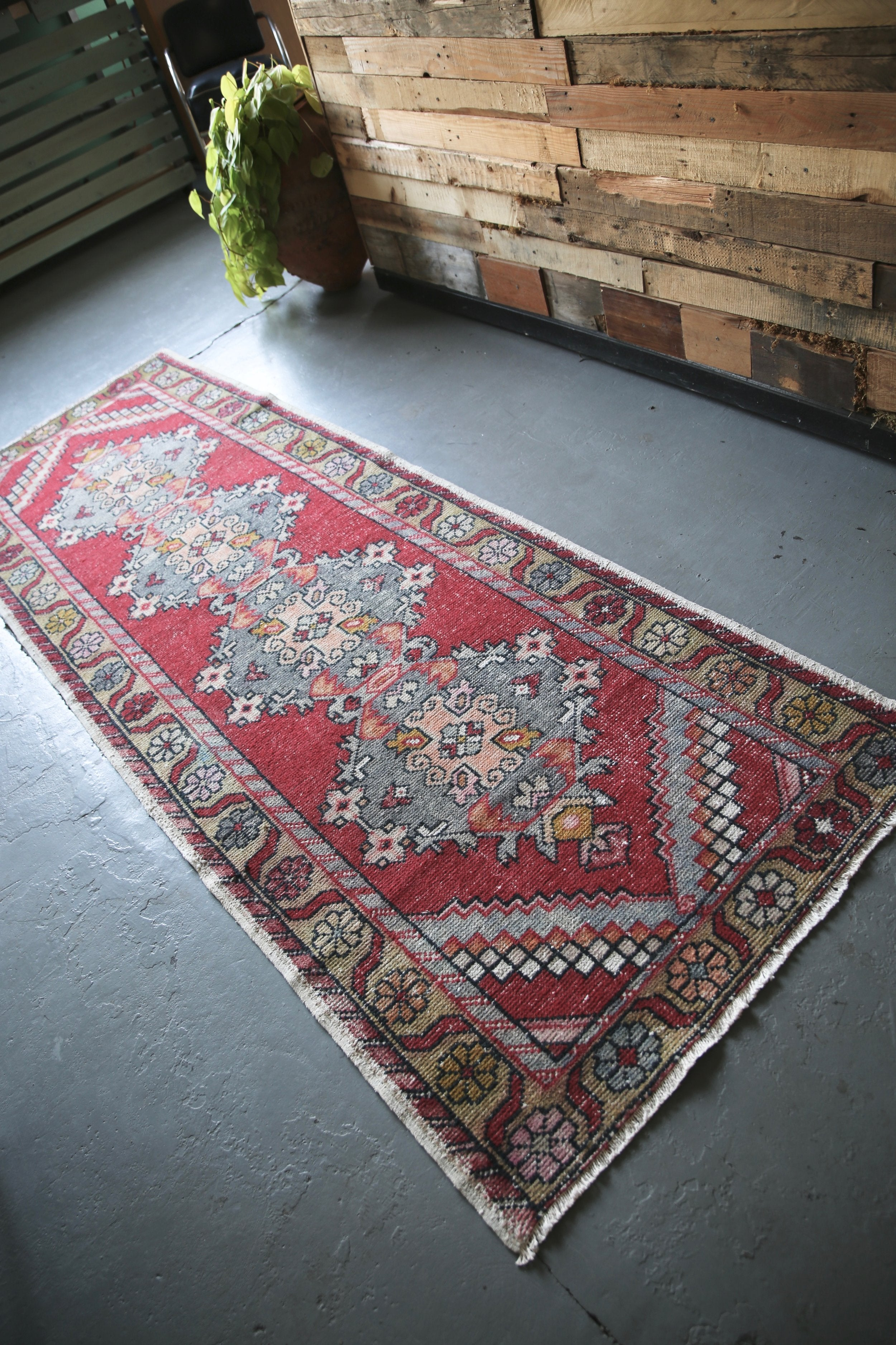 vintage-faded-anatolian-turkish-runner-rug-34ftx99ft