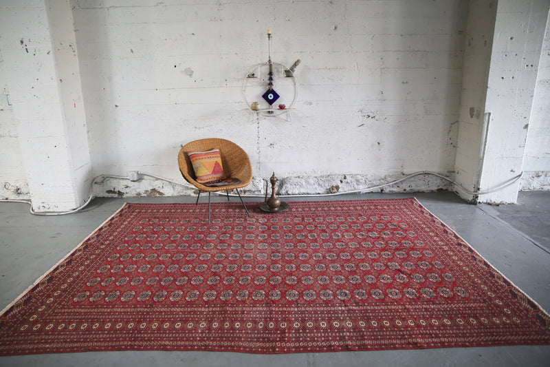 1930s-turkmen-bukhara-carpet-82ftx122ft