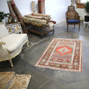 vintage-kirsehir-rug-inspired-by-the-transylvanian-style