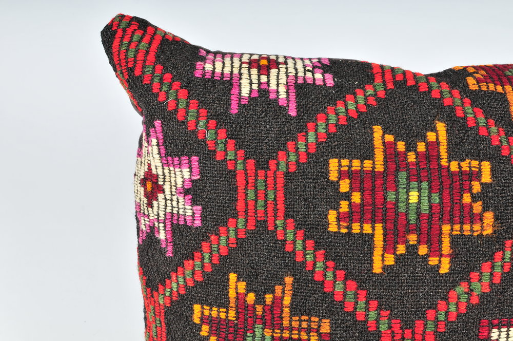 Kilim Pillow 24inx24in