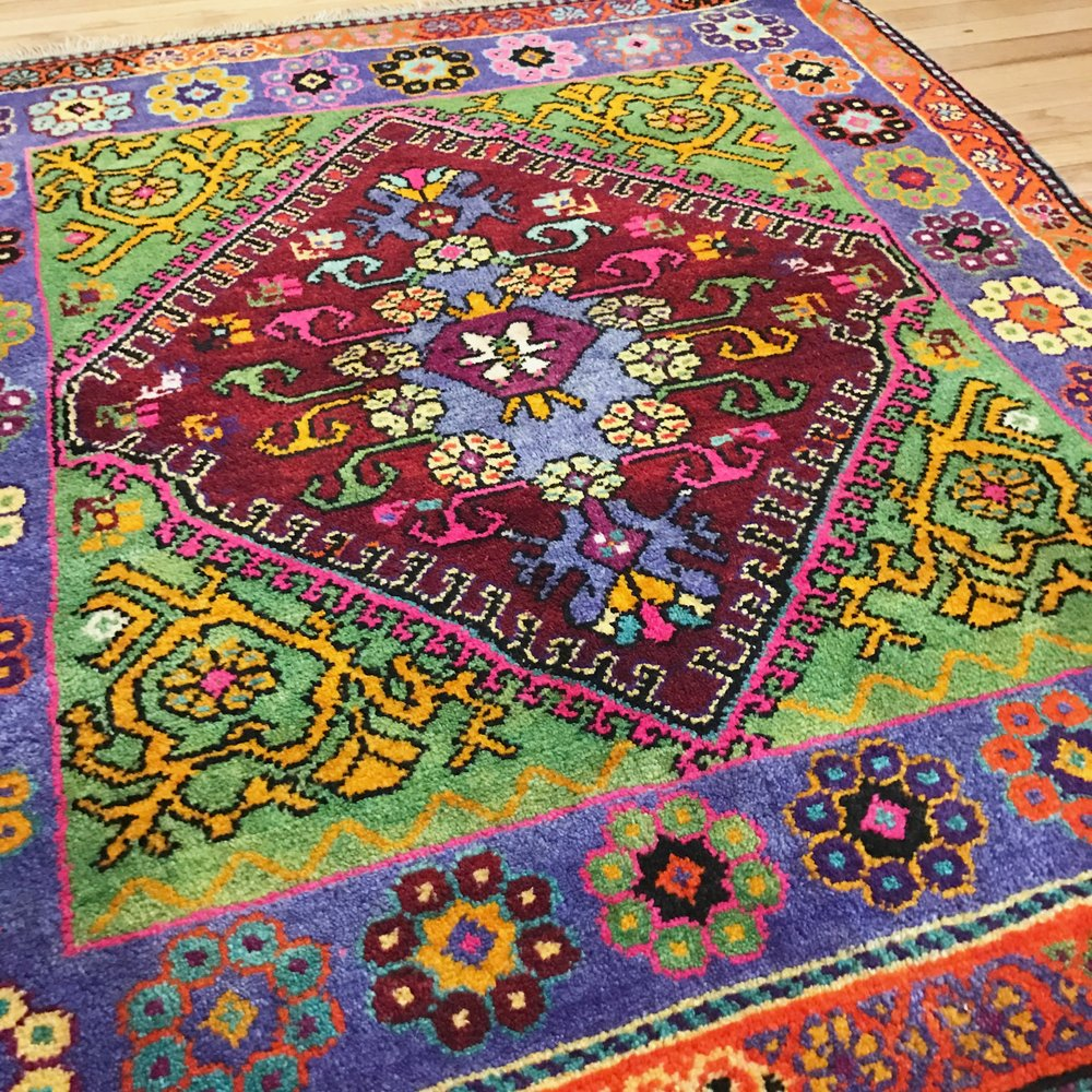 Vintage/Old Turgutlu Rug 3.9x4.9ft