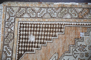 Vintage Faded Anatolian Rug 3.5ftx5.6ft