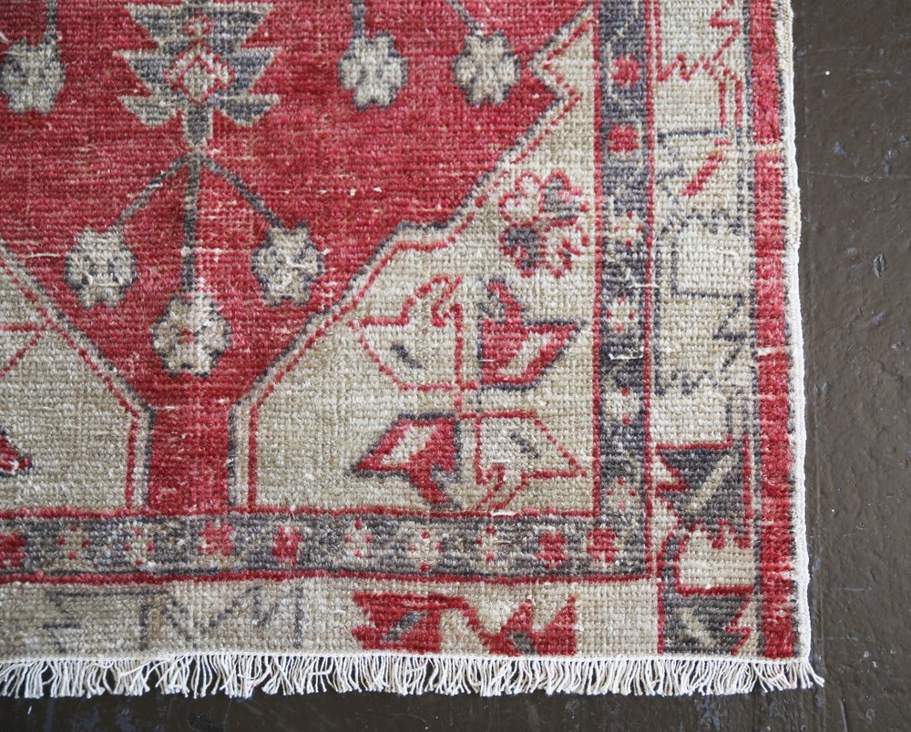 Vintage Faded Turkish Anatolian Rug 2.6ftx4.10ft