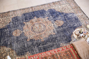 Vintage Demirci carpet 6.7ftx9.3ft