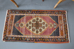 Vintage Mini Turkish Rug 1.9ftx3.2ft