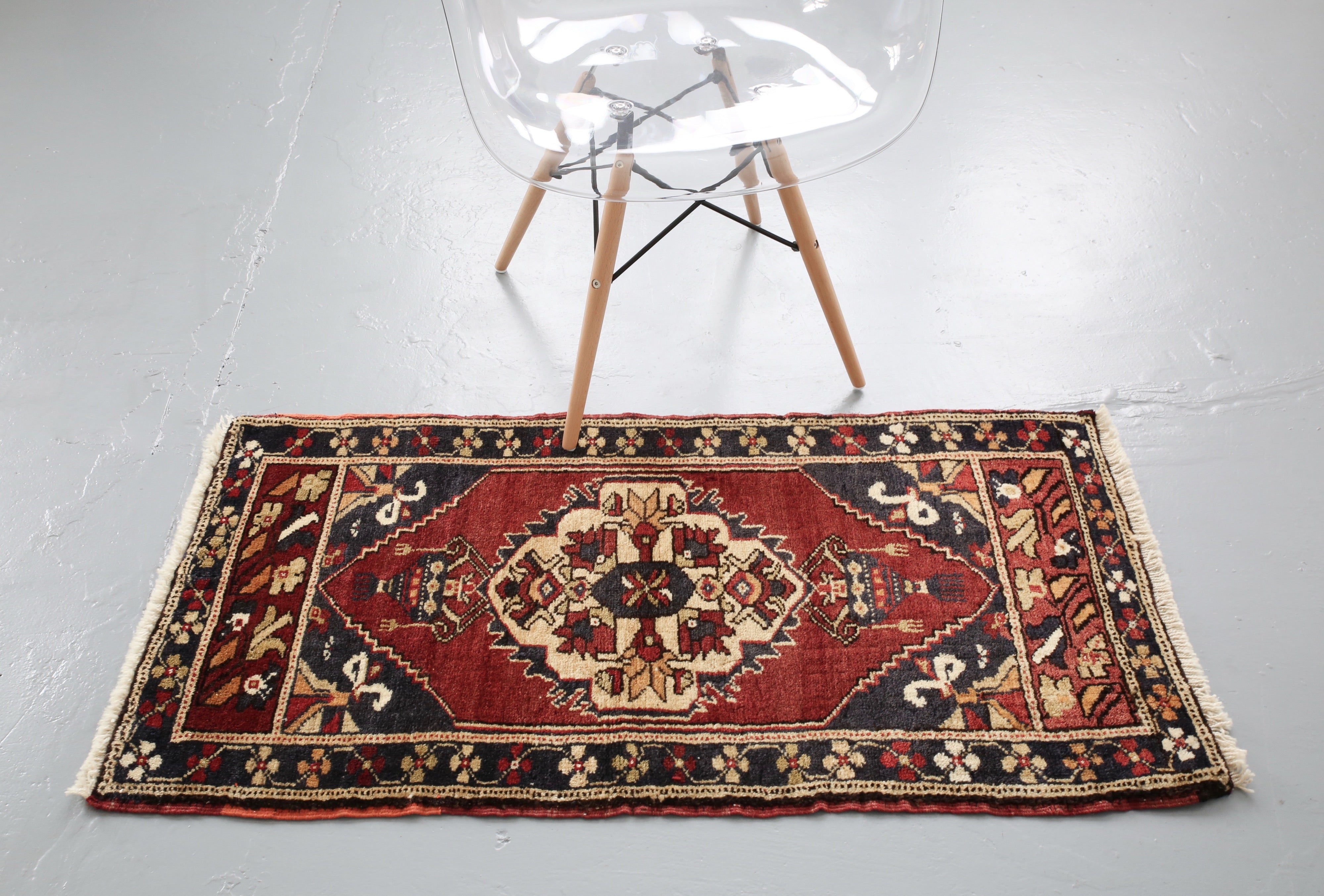 Vintage Mini Turkish Rug 2ftx4ft