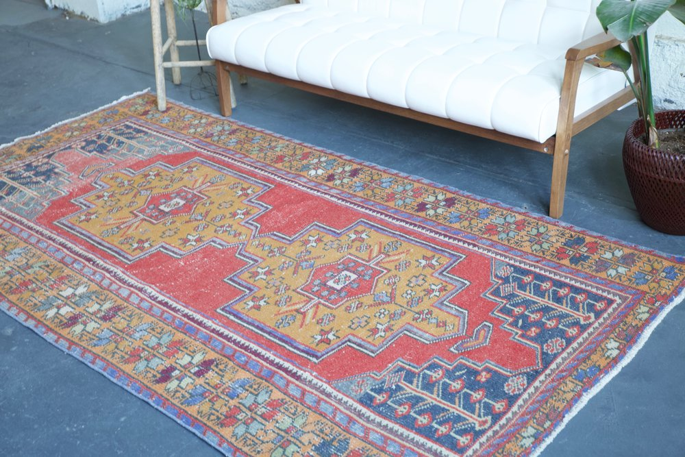 Vintage Turkish Faded Anatolian Rug 4.3ftx8.2ft