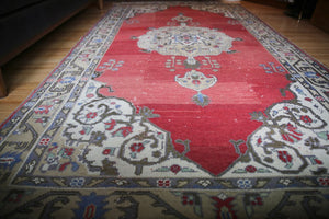 Vintage Faded Anatolian Turkish Rug 5ftx9.1ft