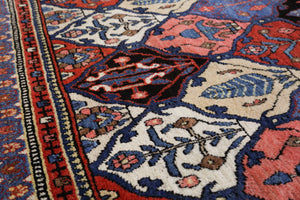 Antique Persian Bakhtiari Rug    *EXCLUSIVE*