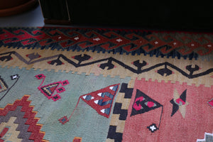 Old Corum Alacali Kilim 5ftx7ft
