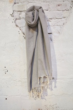 Honeycomb Pestemal Towel in Light Gray