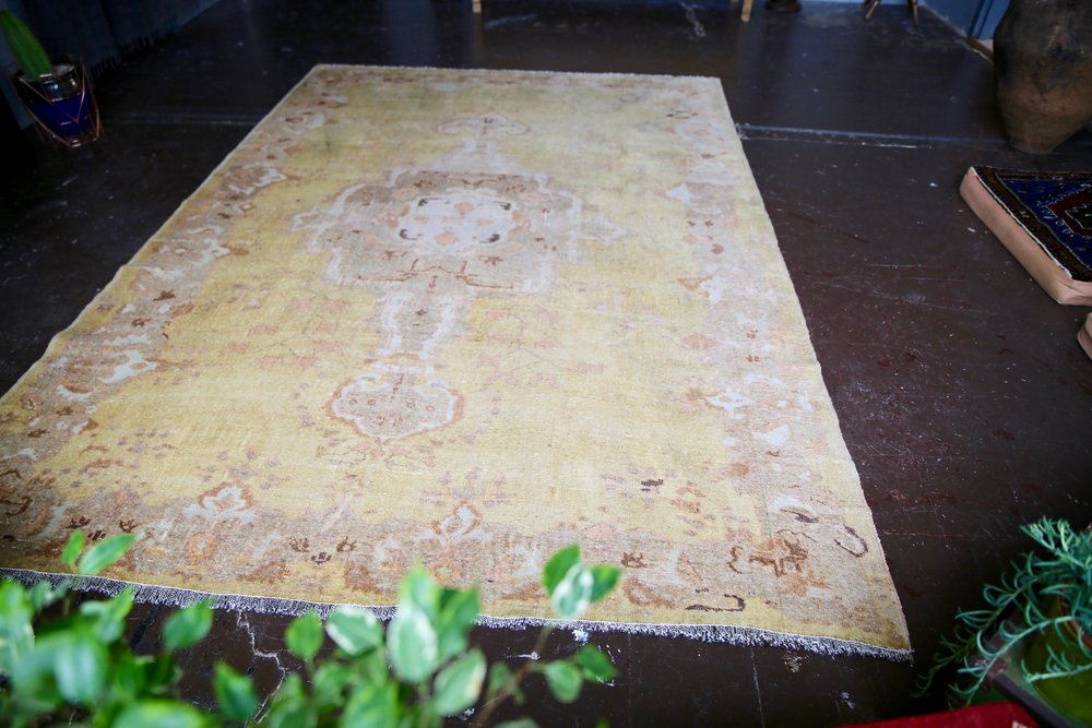 Old Oushak Rug 6.10ftx10ft