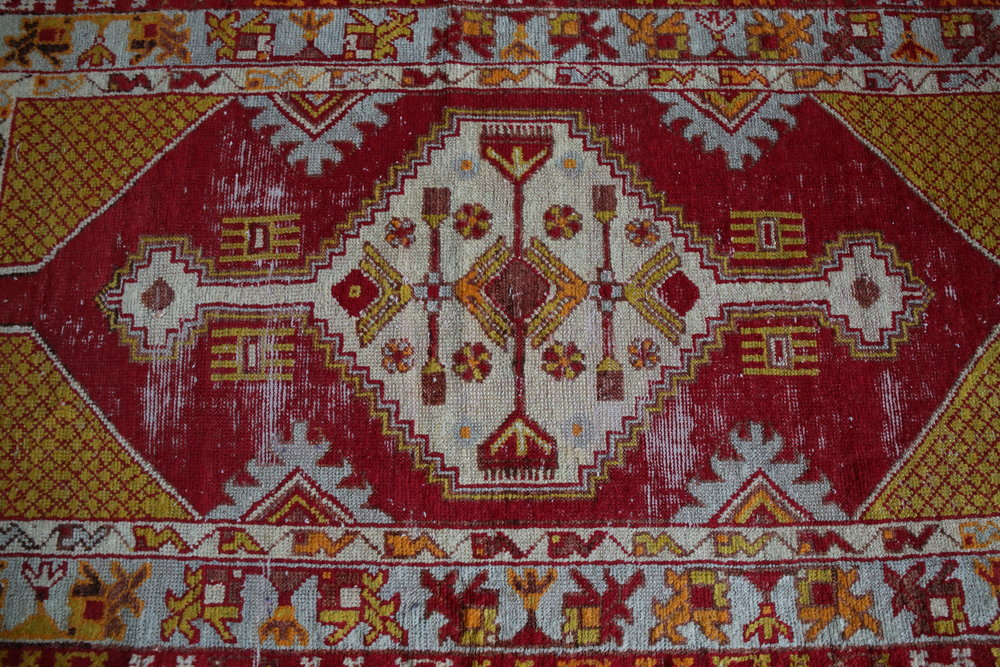 Vintage Faded Anatolian Turkish Rug 2.8ft x 5.2ft